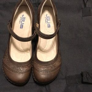 JBU shoe